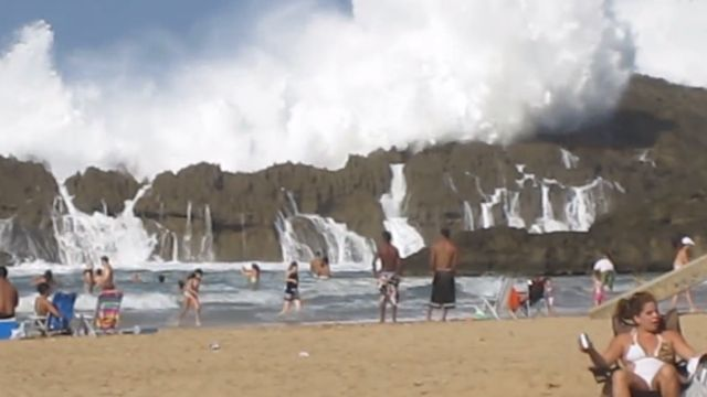 News video: Massive Wave at Playa Puerto Nuevo in Vega Baja, Puerto Rico